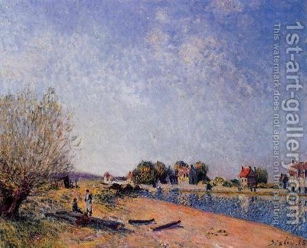 Loing Canal at Saint-Mammes by Alfred Sisley - Reproduction Oil Painting