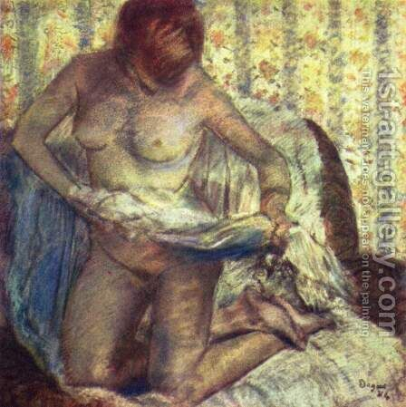 Kneeling woman by Edgar Degas - Reproduction Oil Painting