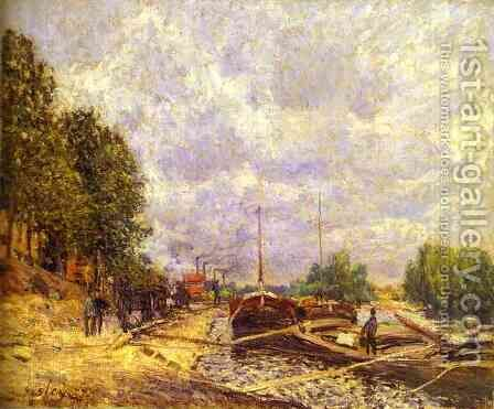 Barges In Billancourt Les Peniches A Billancourt by Alfred Sisley - Reproduction Oil Painting